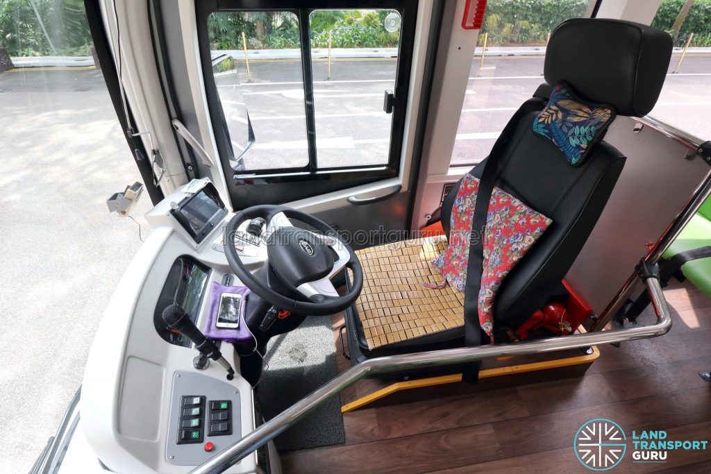 BYD C6 - Interior - Driver's Cabin