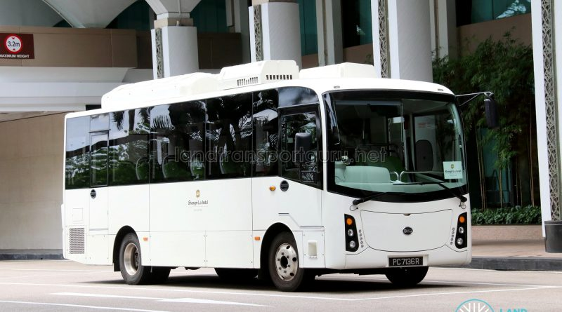 HDT Singapore BYD C6 (PC7136R) - Shangri-La Hotel Shuttle (Shoppers' Route)