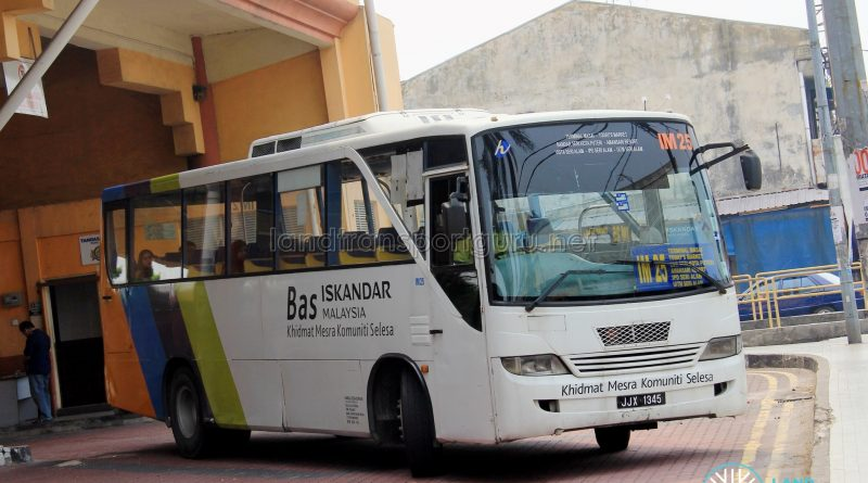 Causeway Link Mercedes-Benz OF1418E/51 (JJX1345) - Route IM25