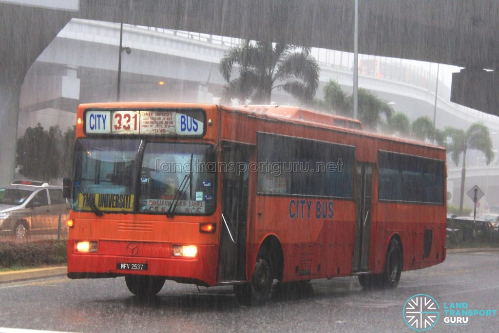 City Bus Mercedes-Benz OH1318 (WFV2537) – Route 331