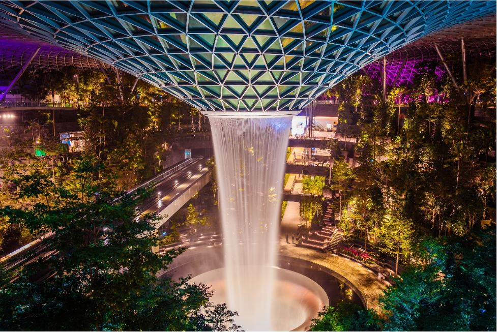 Jewel HSBC Rain Vortex (Photo: Jewel Changi Airport)