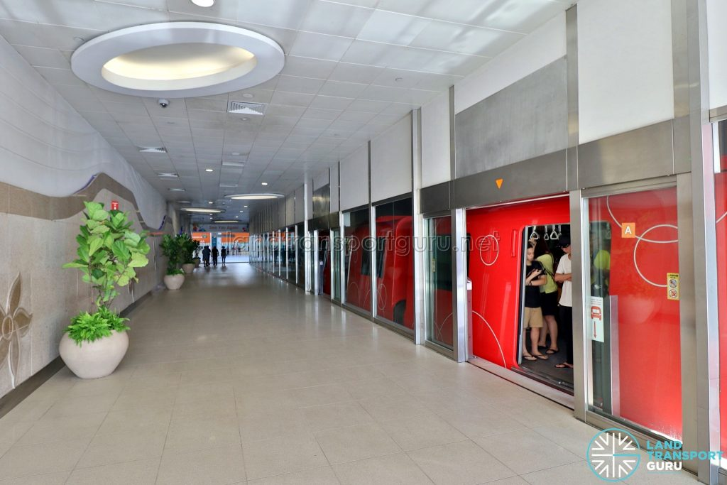VivoCity Station - Alighting Platform