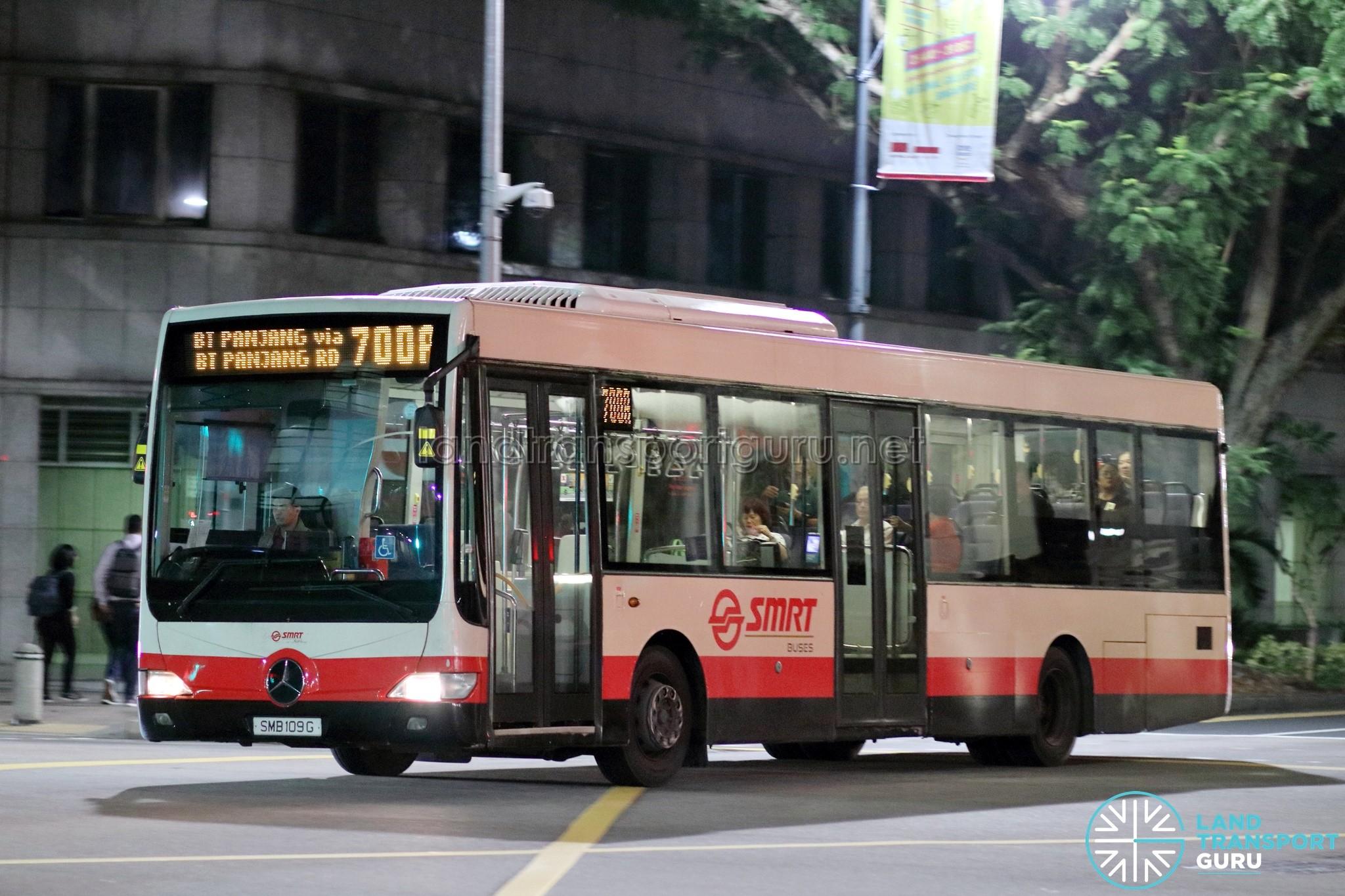 Bus 700A - SMRT Buses Mercedes-Benz OC500LE (SMB109G)