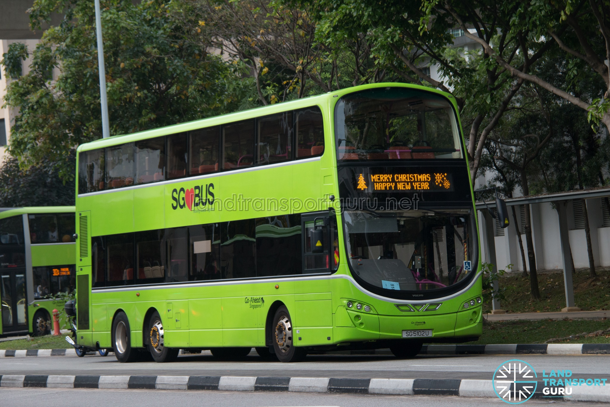 Merry Christmas Happy New Year - Go-Ahead Volvo B9TL Wright (SG5102U)