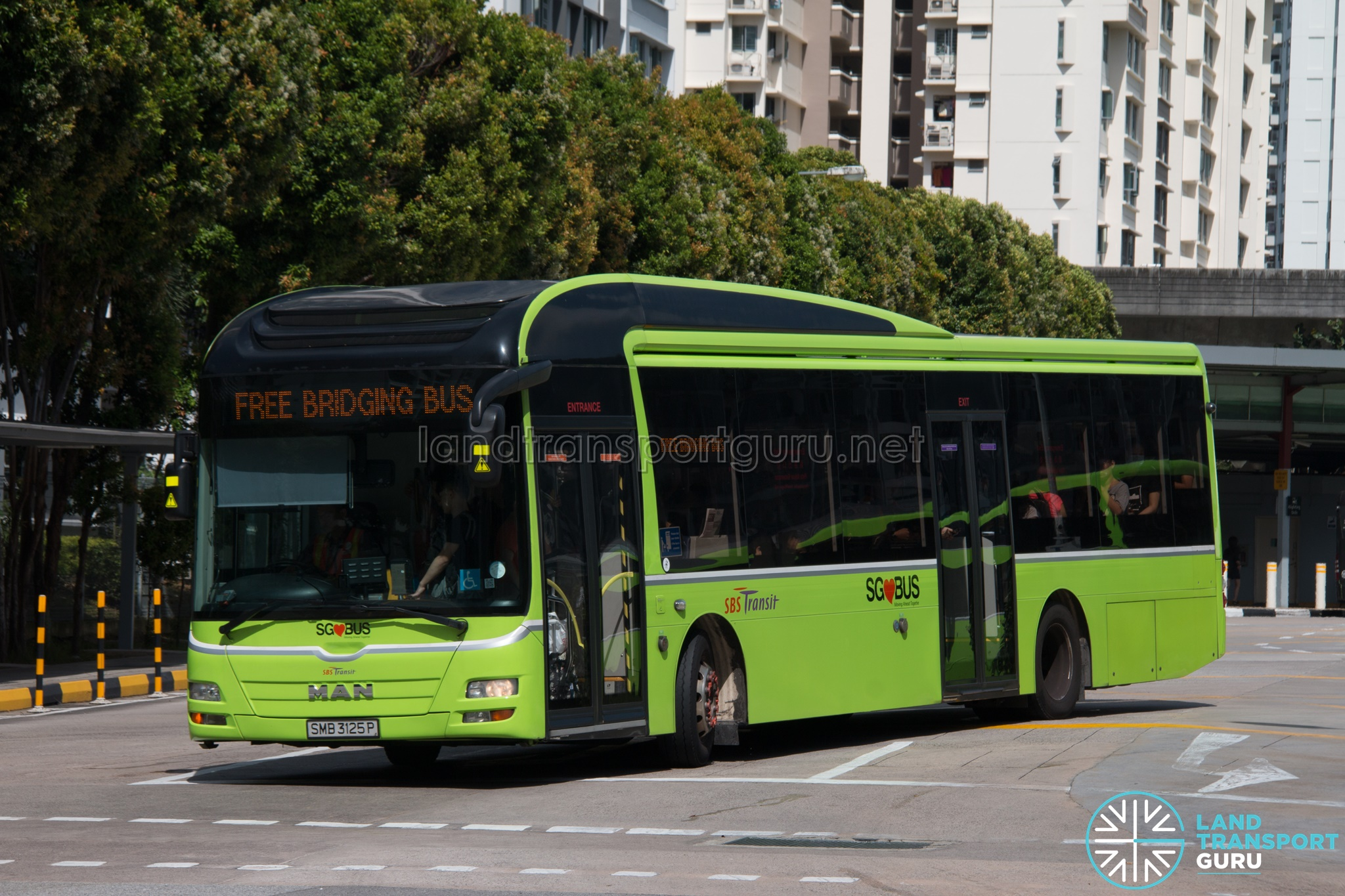 North East Line Free Bridging Bus - SBS Transit MAN A22 (SMB3125P)