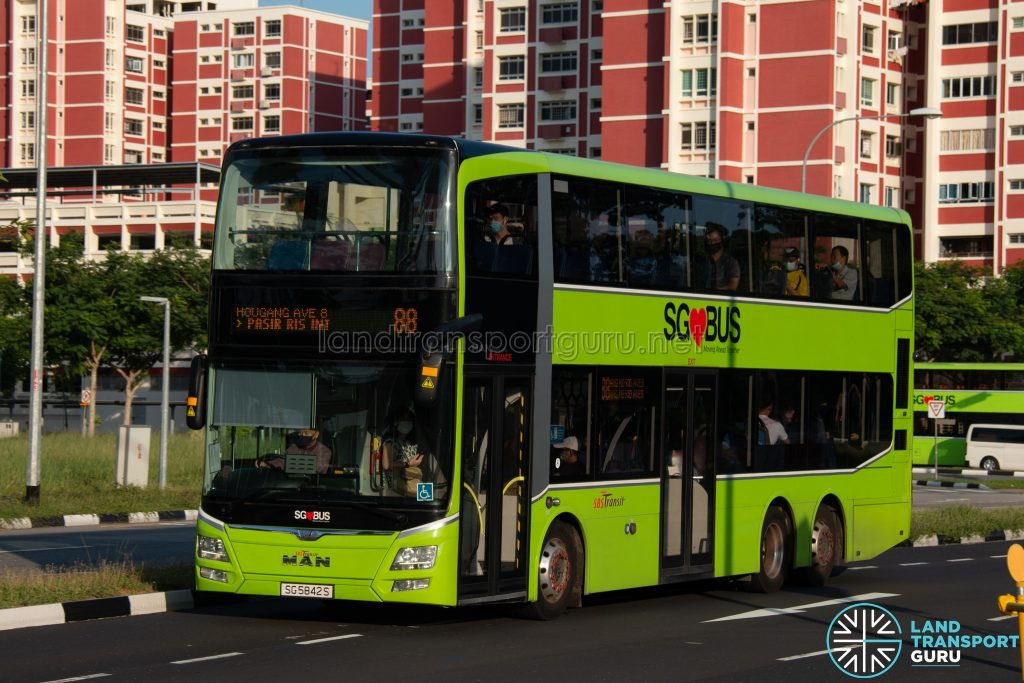 Bus 88: SBS Transit MAN Lion's City DD A95 (SG5842S)