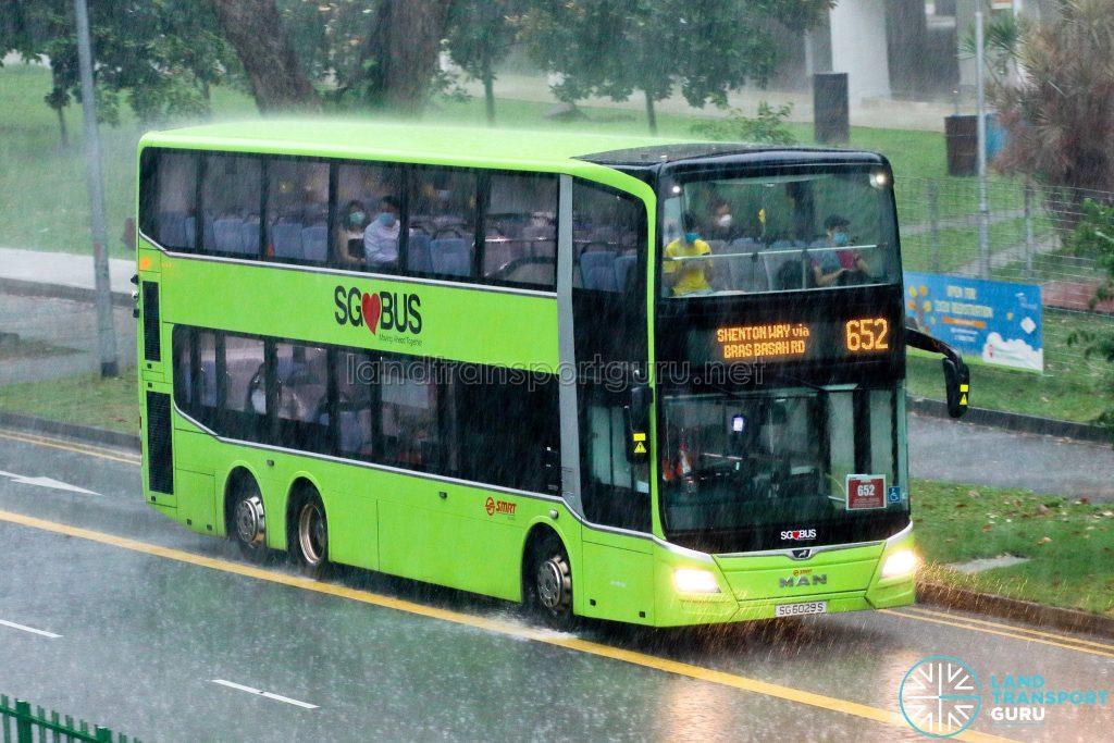 City Direct 652: SMRT Buses MAN A95 (SG6029S)