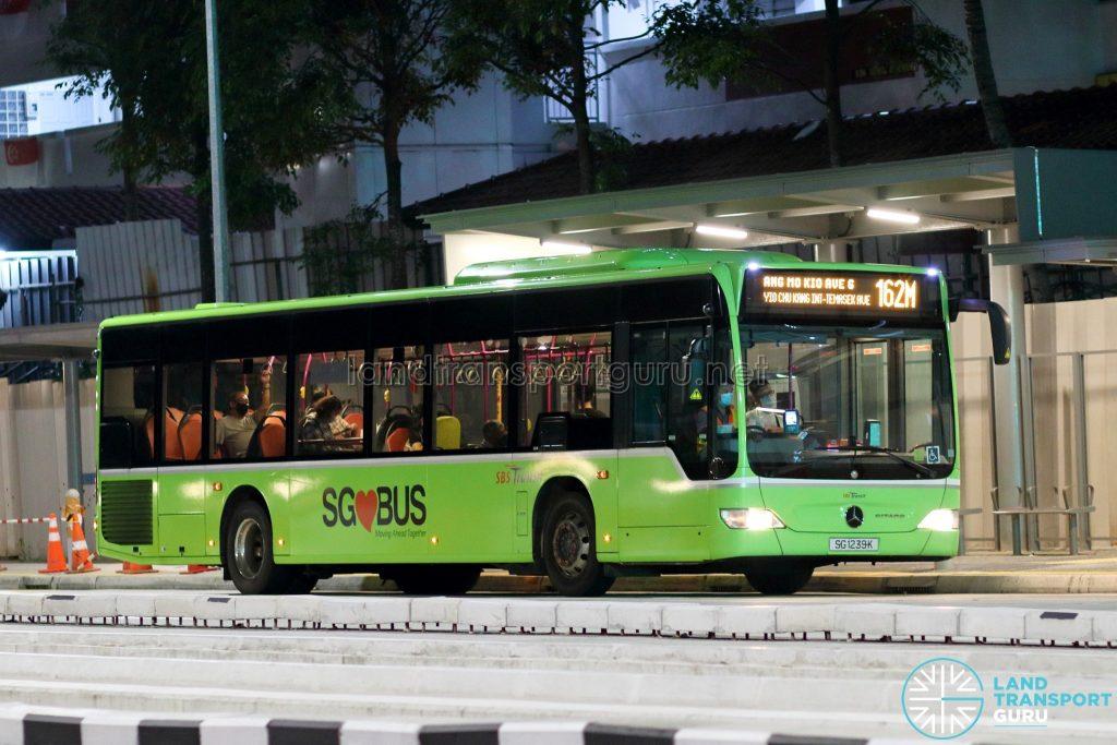 Bus 162M: SBS Transit Mercedes-Benz Citaro (SG1239K)