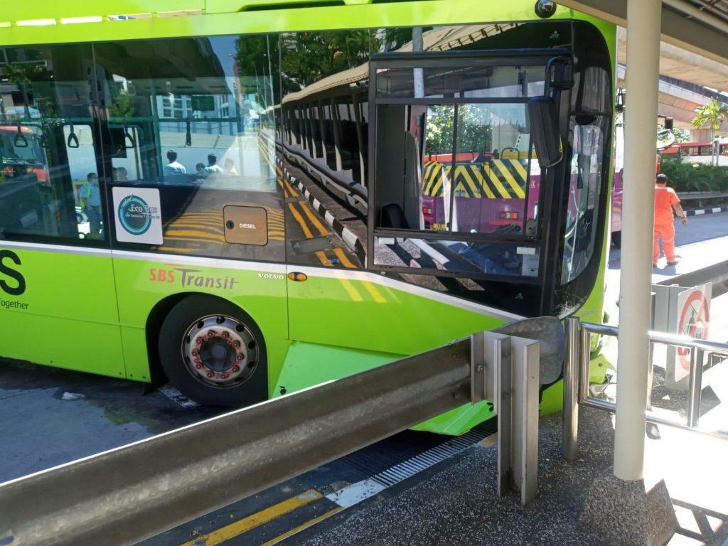 SBS Transit Volvo B5LH Accident at Eunos Bus Interchange (Photo: Kim Soon Lee Singapore Facebook)