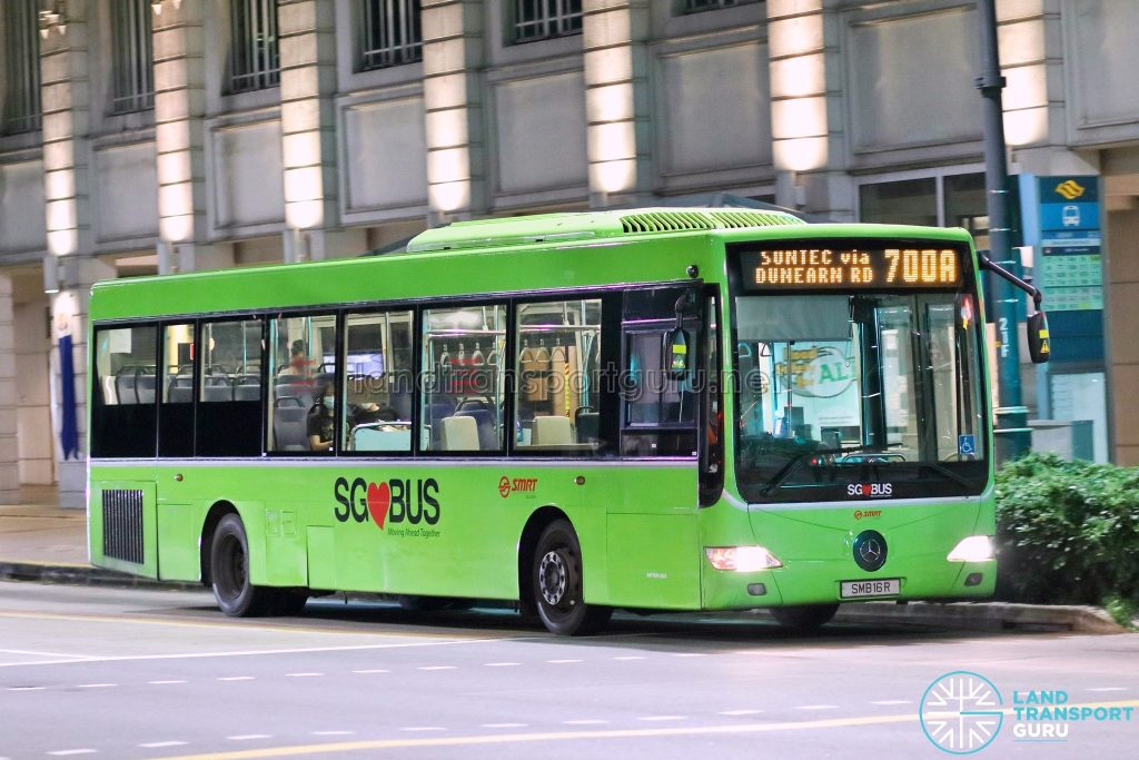 Bus 700A: SMRT Mercedes-Benz OC500LE (SMB16R)
