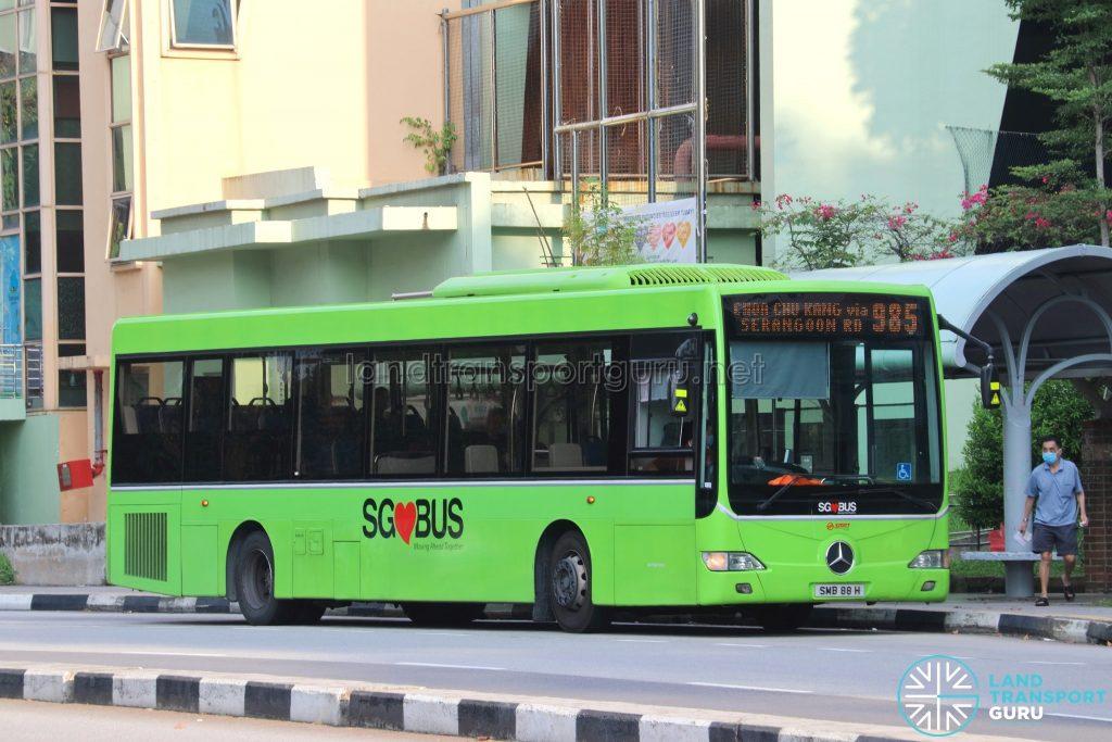 Bus 985: SMRT Mercedes-Benz OC500LE (SMB88H)