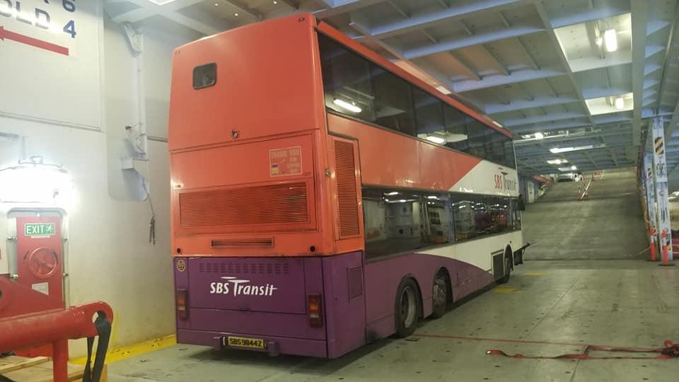 SBS9844Z in transit to Hong Kong (Photo: Hkitalk forums)