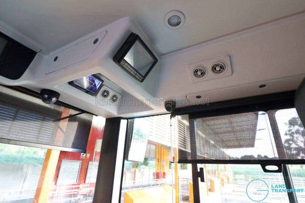 Yutong E12DD - Interior (Driver Compartment Controls)