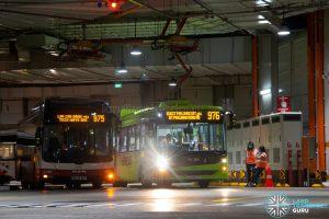 Bus 976 - SMRT Linkker LM312 (SG3077Y) Charging